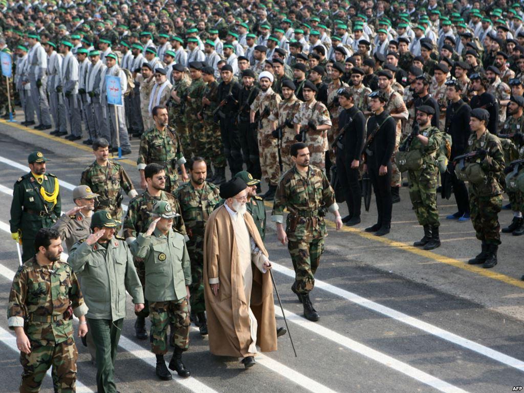 صورة الجيش الثوري.. مليشيا عراقية بإشراف إيراني