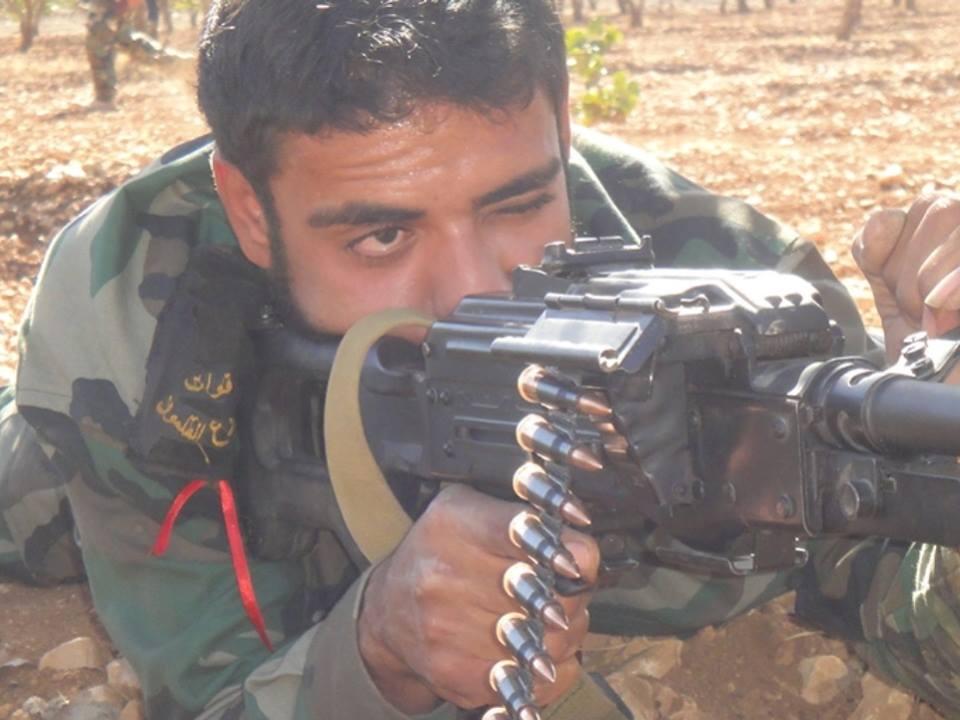 """صورة أبناء """"المصالحات"""" جنود الأسد في حربه على وادي بردى"""