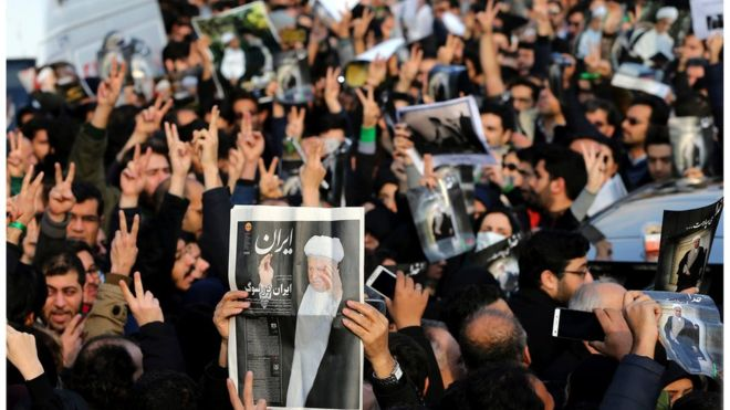 """صورة التايمز: إيرانيون غاضبون هتفوا """"الموت لروسيا"""""""