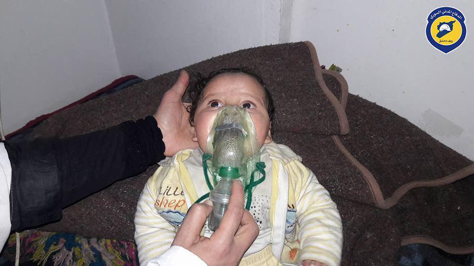 صورة الأسد والروس يتنافسان على استخدام الأسلحة المحرمة