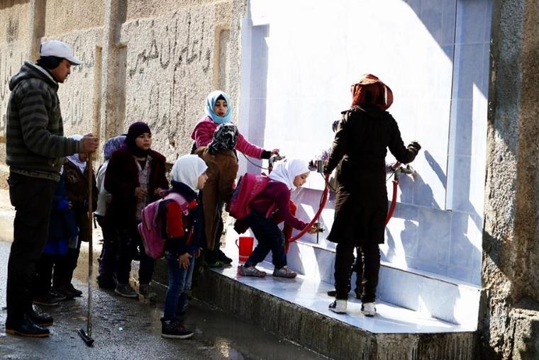 صورة مخيمات فلسطينية في درعا دون ماء منذ ألف يوم