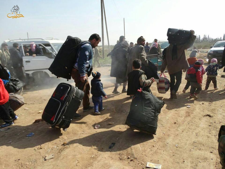صورة 50 ألف لاجئ عادوا من تركيا للشمال السوري