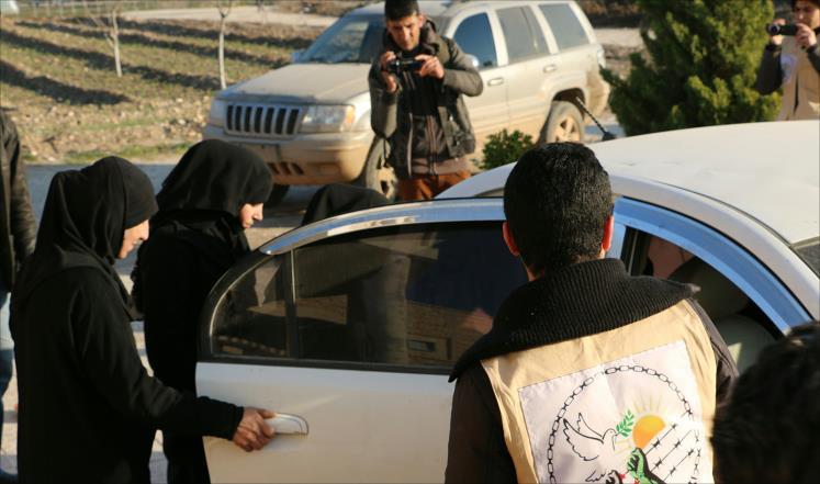 صورة شهادات قاسية لمعتقلات سوريات محررات