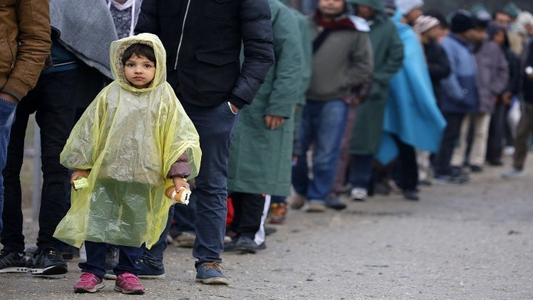 """صورة تضاعف معاناة """"لم الشمل"""" للاجئين في السويد"""