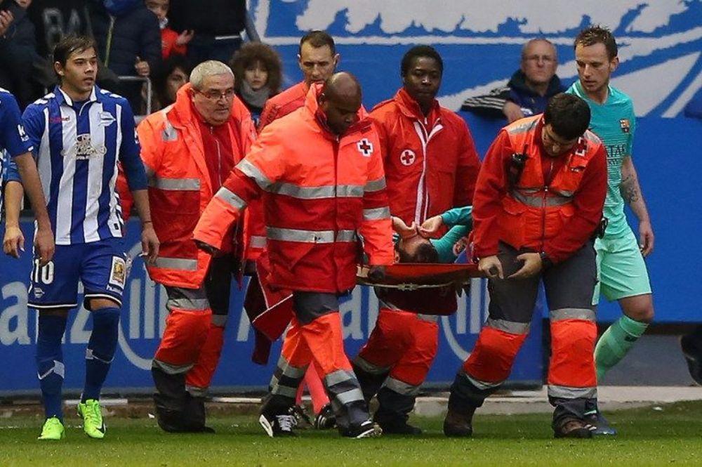 صورة الإصابة تنهي موسم فيدال مع برشلونة