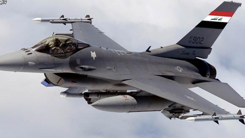 صورة لأول مرة..طائرات عراقية تضرب أهدافا في سوريا