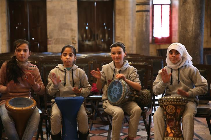 صورة الموسيقى تساعد الأطفال السوريين على نسيان الحرب