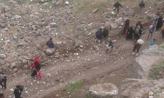 """صورة ريف درعا..نيران """"جيش خالد"""" تطال المدنيين الهاربين من المعارك"""