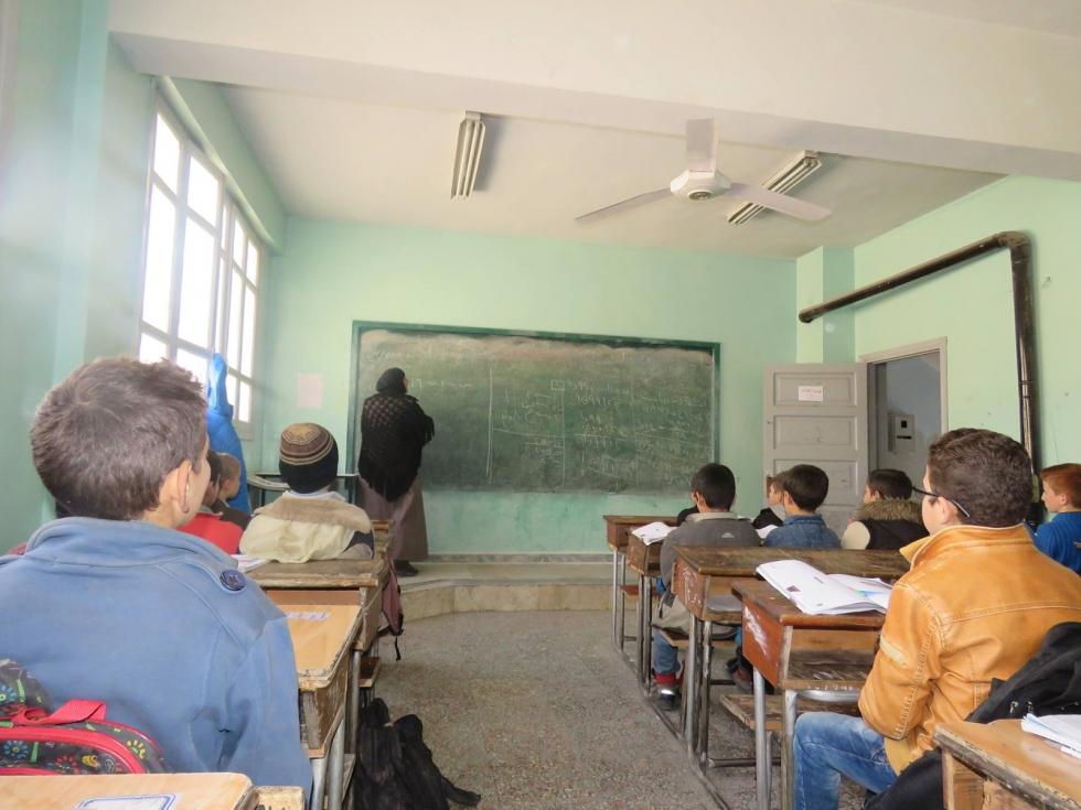صورة تمديد إغلاق المدارس شمالي سوريا جراء قصف النظام والروس