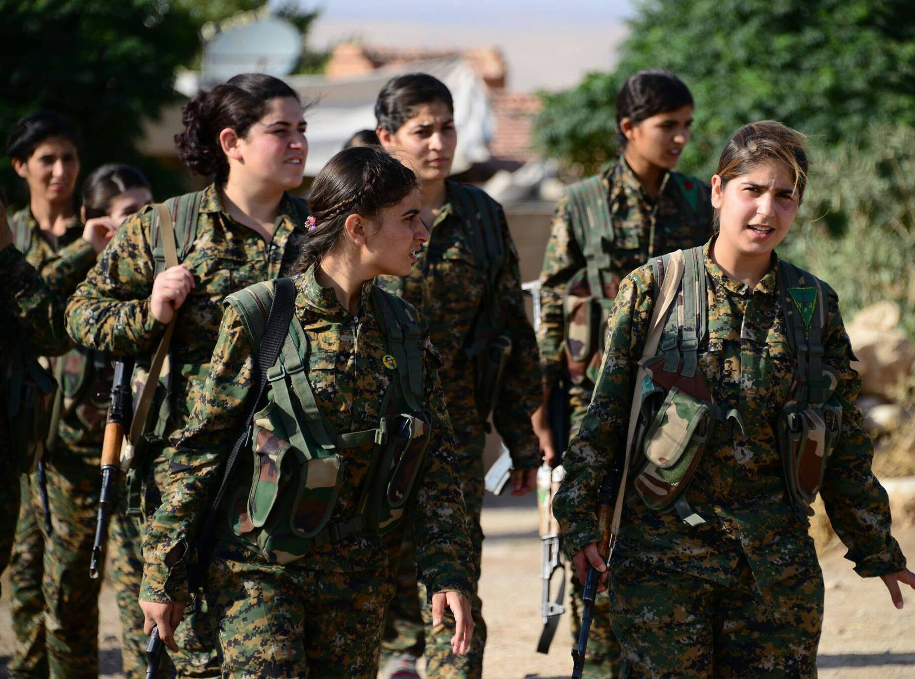صورة الوحدات الكردية تنوي مضاعفة تعداد قواتها لـ 100 ألف