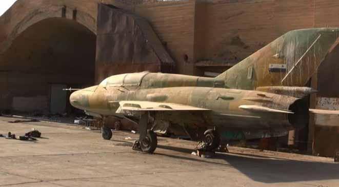 """صورة الأسد يقترب من مطار """"الجراح"""" بعد إخلاء تنظيم الدولة لمواقعه"""