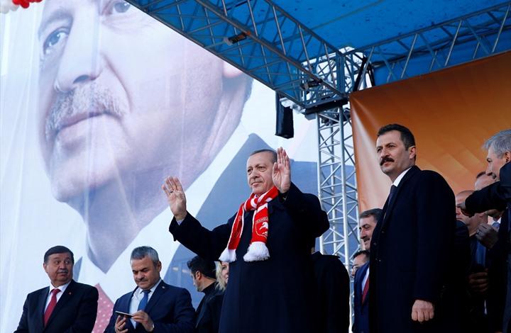 صورة أردوغان: انسحابنا من سوريا غير ممكن ونحن في منبج