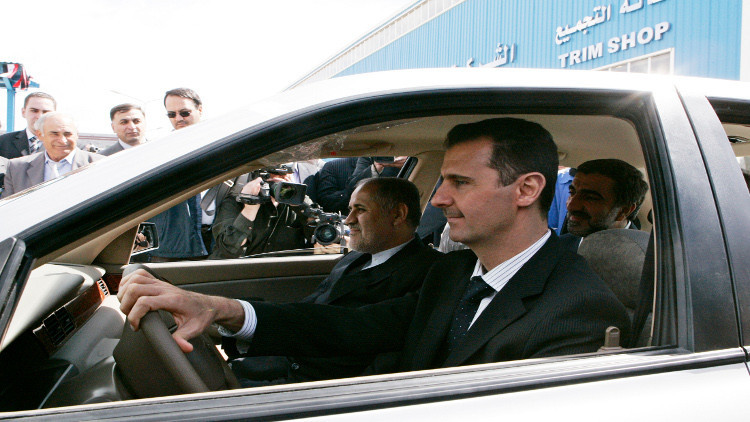 صورة قرار للأسد..استيراد سيارات رسومها الجمركية 50 مليون!!