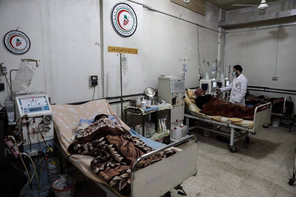 صورة شبح الحصار يخيم على الغوطة وتاجر حرب يساند الأسد