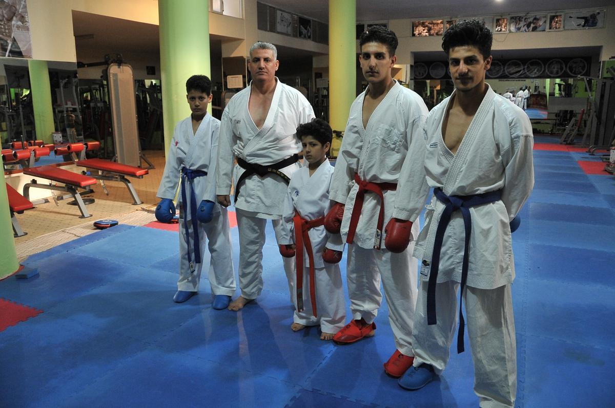 صورة مدرب سوري يسخّر قدراته لتطوير رياضة الكاراتيه بتركيا