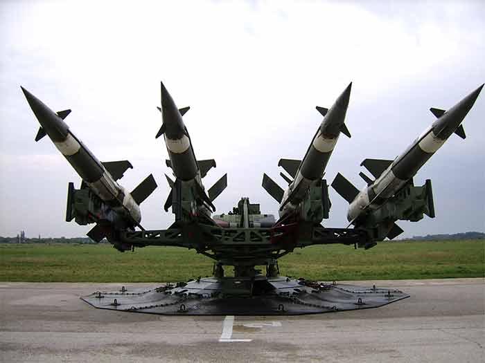 صورة إسرائيل تتوعد بضرب صواريخ الأسد وتحرك قواتها