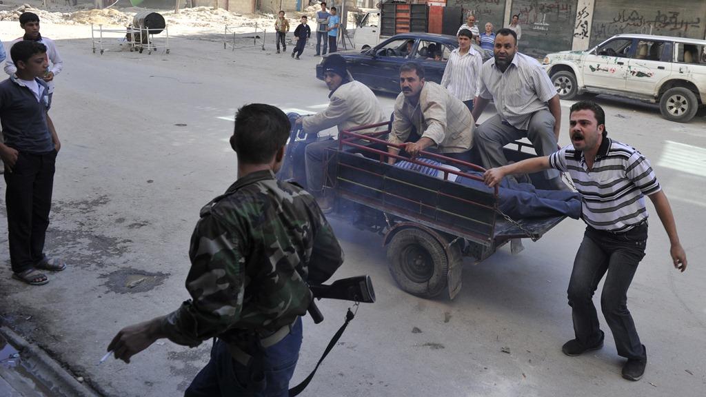 """صورة ضابط منشق عن الأسد بحوزته وثائق خطيرة يصل """" لاهاي"""""""