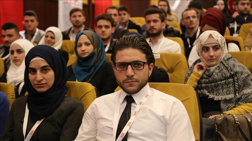 صورة 15 ألف طالب سوري يرتادون الجامعات التركية