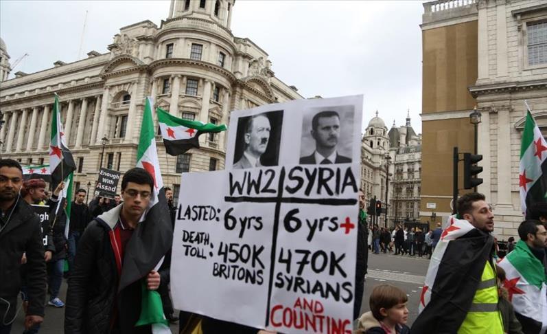 صورة مسيرة في لندن لإحياء الذكرى السادسة للثورة السورية