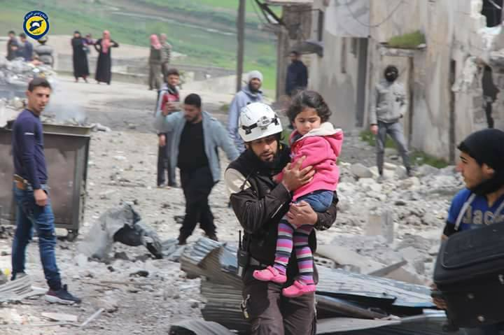 صورة ضحايا بغارات للنظام والروس على مخيمات إدلب