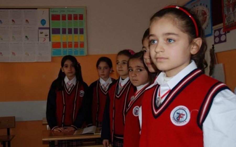 صورة جهود تركية لتحسين مراكز التعليم المؤقتة للسوريين