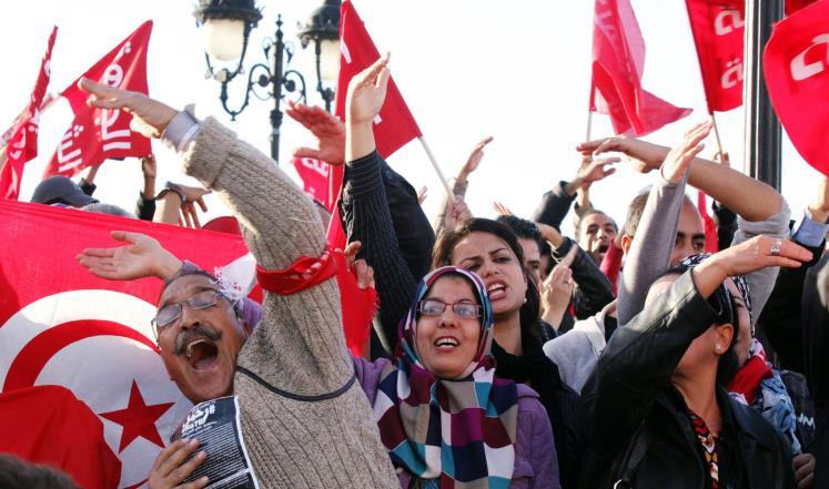 صورة اقتصاد تونس الحرج يضعها أمام قانون المصالحة
