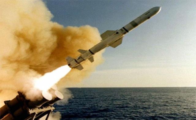 صورة بدء الضربات العسكرية الأمريكية ضد الأسد