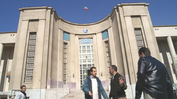 صورة حكومة الأسد اختلست مئات ألاف الدولارات..بشهادة مسؤول