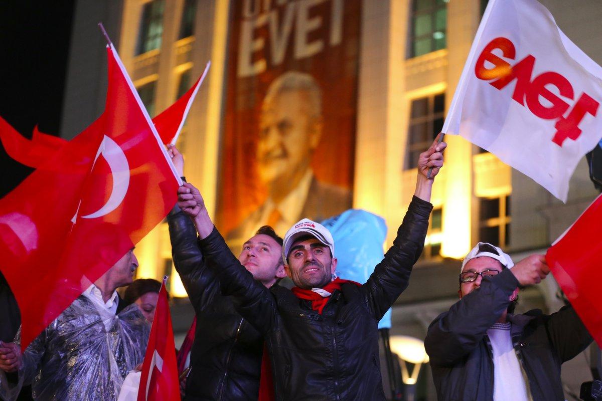 """صورة الشعب التركي: """"نعم"""" للتعديلات الدستورية"""
