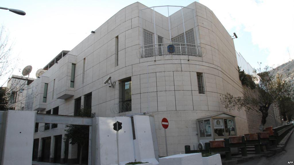 صورة فرنسا: إعادة فتح السفارة بدمشق غير مطروح