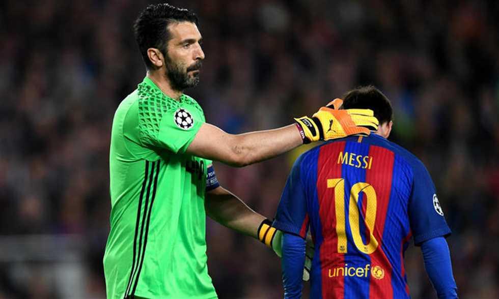 صورة ما علاقة برشلونة باعتزال بوفون؟