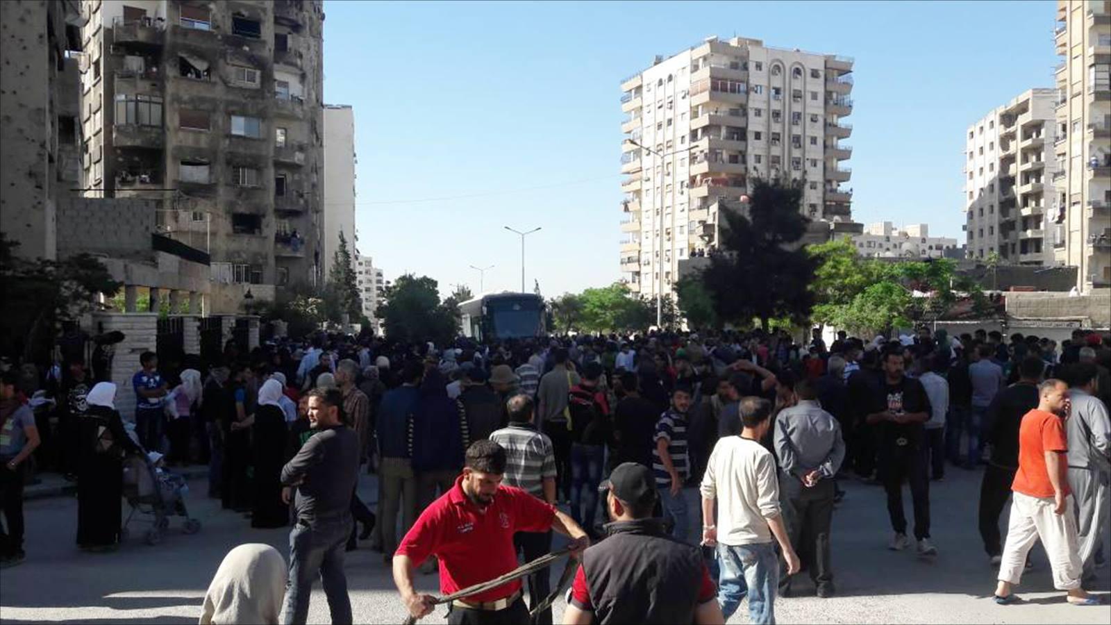 """صورة هجوم مسلح على مهجري """"القابون"""" يوقع ضحايا"""