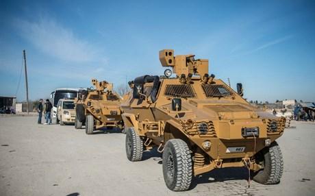 """صورة 100 شاحنة أسلحة أمريكية لـ """"قسد"""" (فيديو)"""