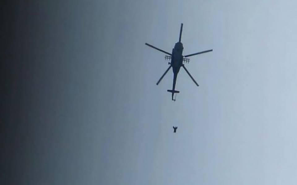 صورة قرابة 1000 برميل أسقطته طائرات الأسد خلال شهر