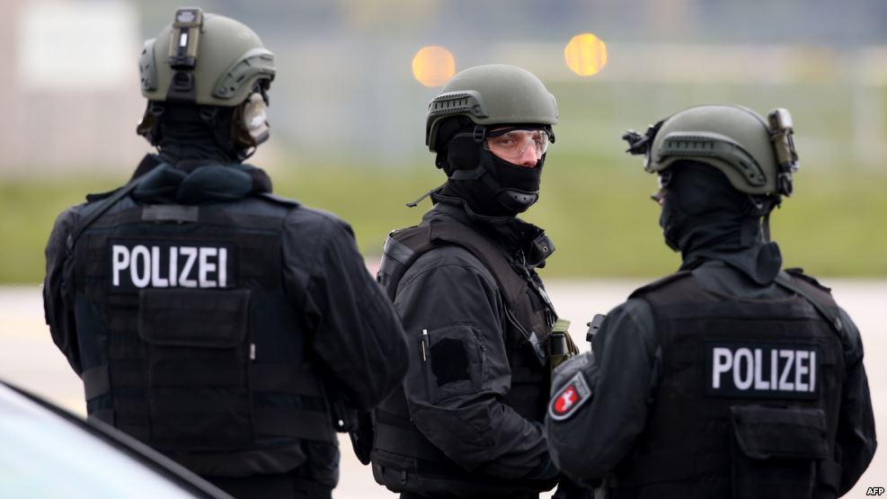 صورة حملة أمنية ألمانية لملاحقة المتعاطفين مع تنظيم الدولة