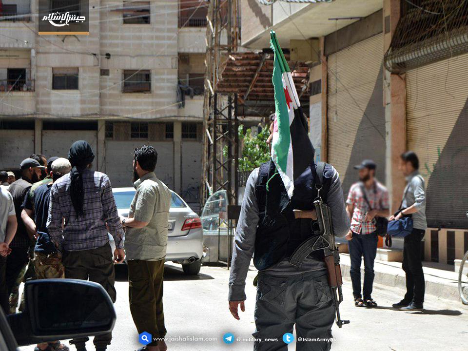 صورة إطلاق سراح 4 نساء مقابل عميل فلسطيني