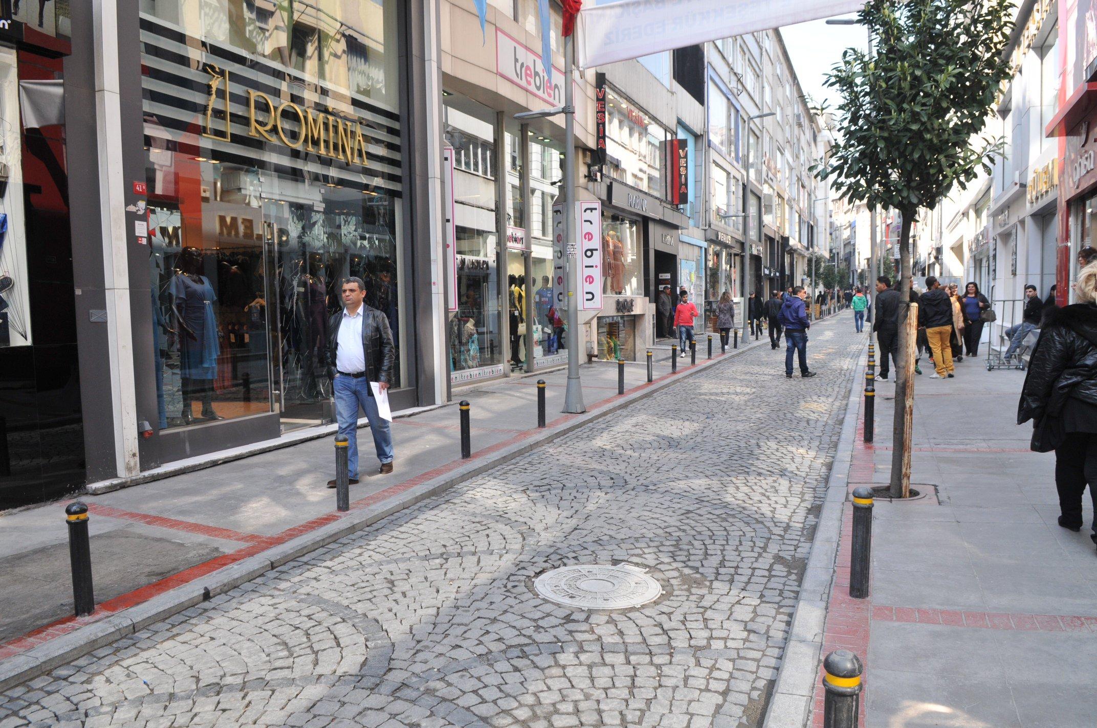 صورة السوريون يُنعشون أفضل أسواق الموضة التركية
