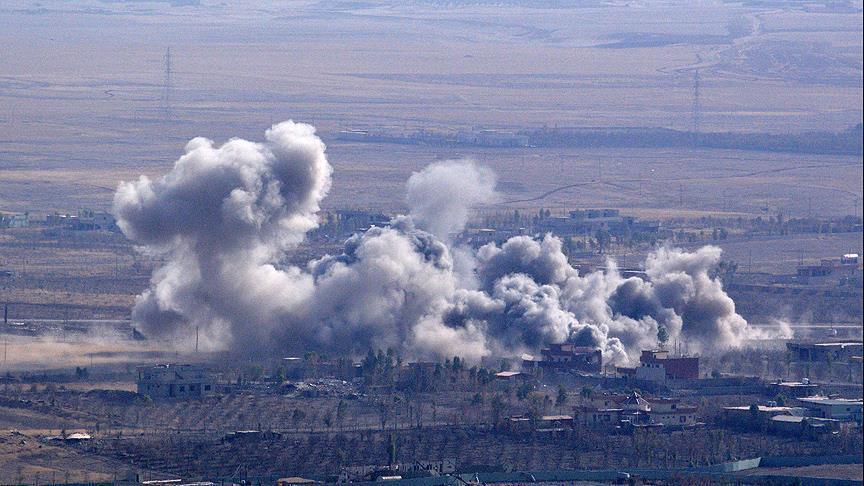 """صورة مقاتلة بريطانية ألقت على سوريا صاروخ  يحمل عبارة """"تحيّة من مانشستر"""""""