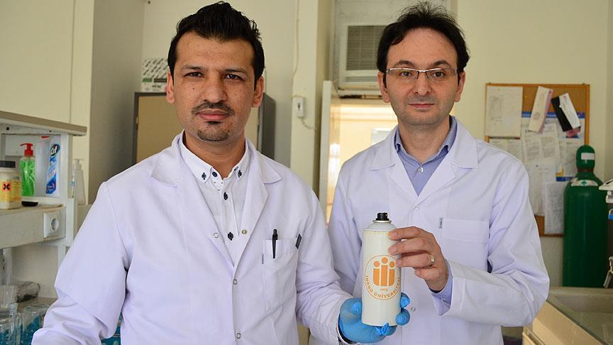 صورة علماء أتراك يبتكرون مادة لاصقة تستخدم بالعمليات الجراحية