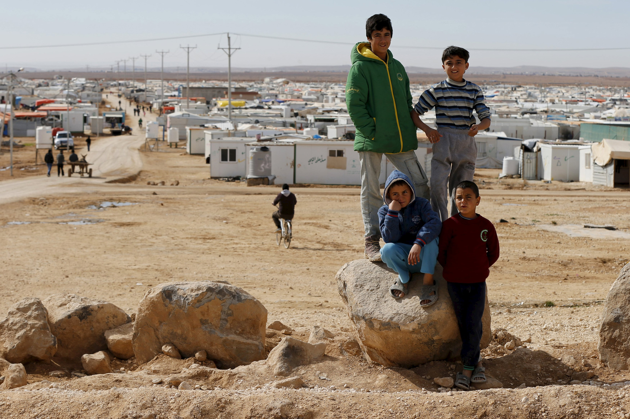 """صورة الأردن يقطع المياه عن مخيم """"الركبان"""""""