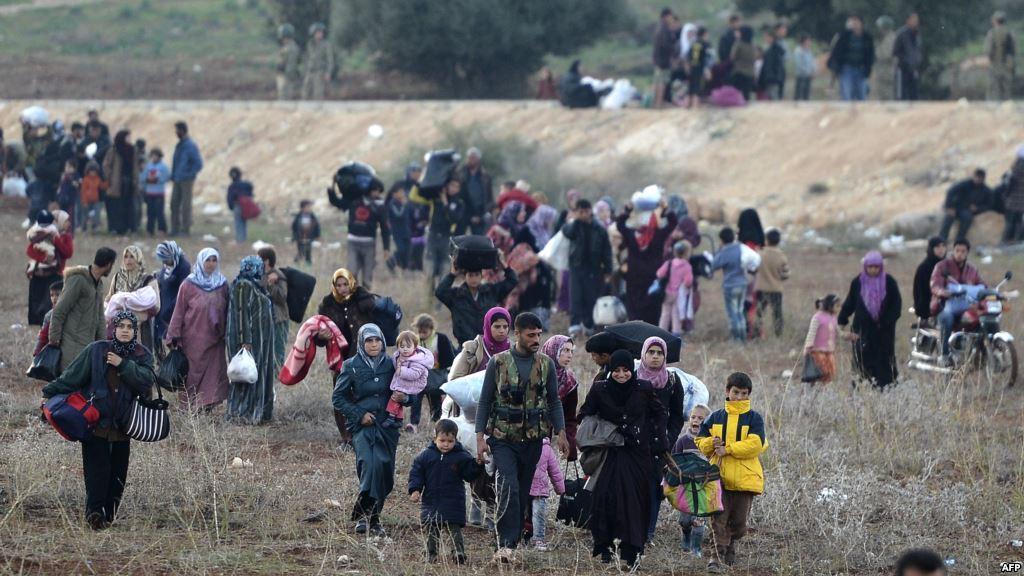 صورة نزوح مئات العائلات من ريف حماة