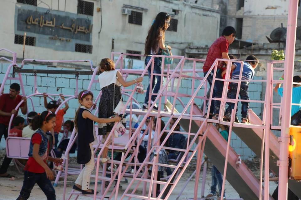 صورة فرحة العيد زارت 600 طفل سوري..وهذه قصتهم