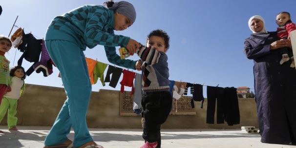 """صورة """"الشلل"""" وباء يهدد الأطفال السوريين"""
