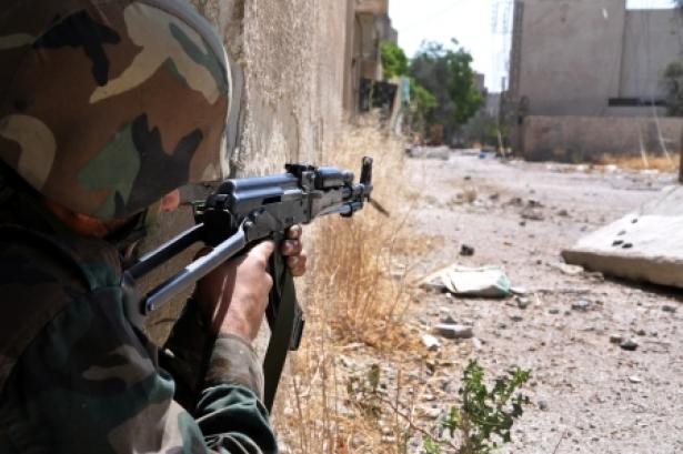 صورة مخابرات الأسد تنهزم أمام شبيحته بمعركة محلية