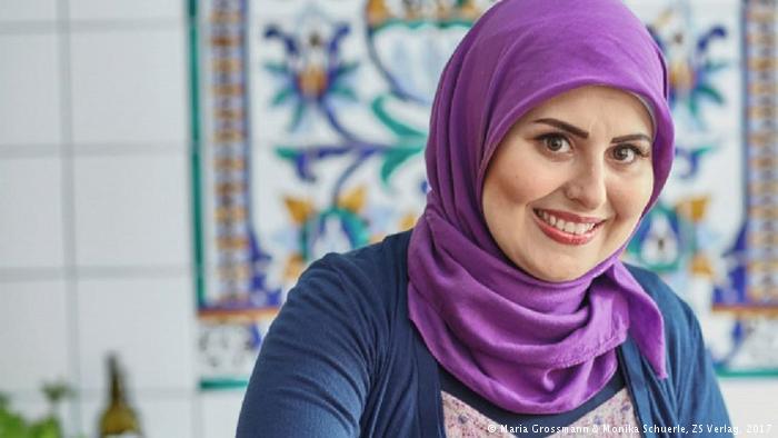 صورة ملكة الطبخ السوري أصبحت لاجئة بألمانيا!