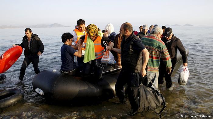 صورة وصول 36 مهاجرا سورياً إلى إيطاليا
