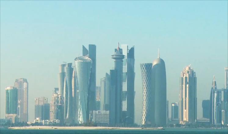 صورة دعوات إقليمية ودولية لاحتواء الأزمة الخليجية