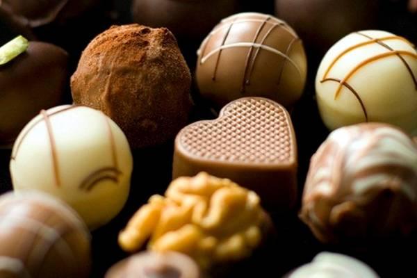 صورة العرب يأكلون شوكولاتة تركية بـ 100 مليون دولار
