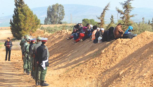 صورة الجزائر تستقبل اللاجئين السوريين العالقين على حدودها