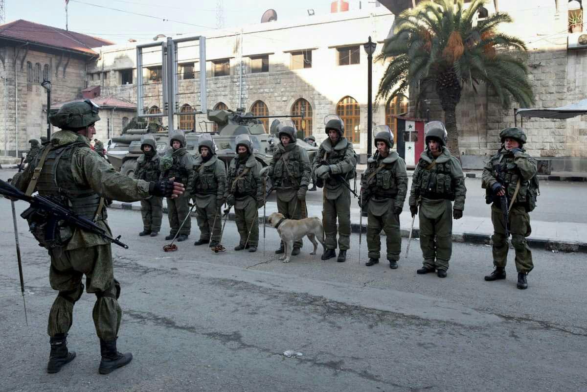 صورة موالون يشتكون للروس جرائم نظام الأسد!